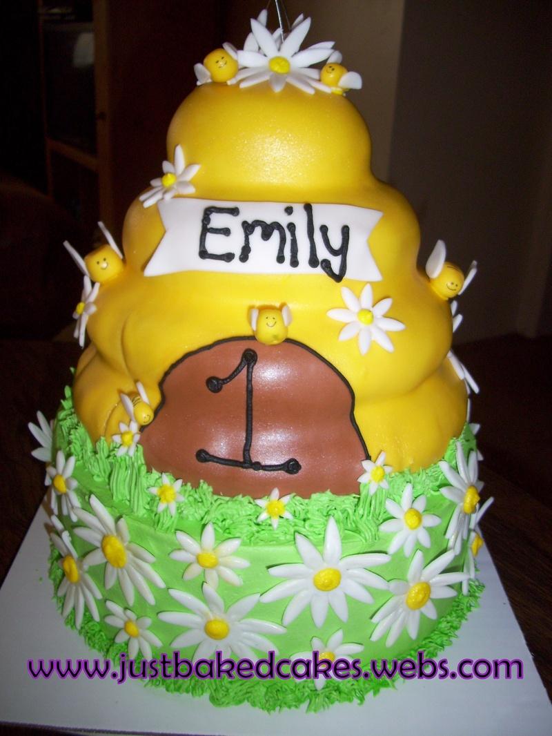 hive bumble bee 1st birthday cake