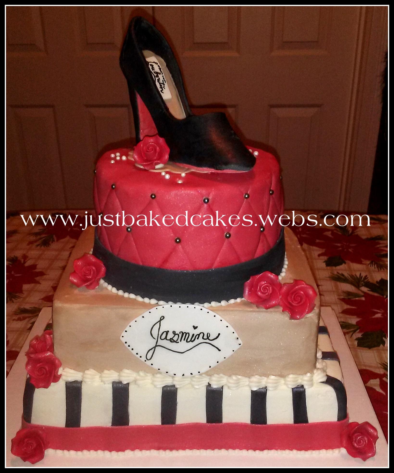 High heel shaped cake