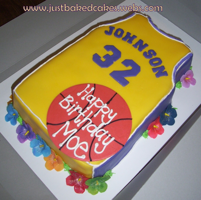 Remarkable Magic Johnson L A Lakers Luau Themed Birthday Cake Funny Birthday Cards Online Sheoxdamsfinfo