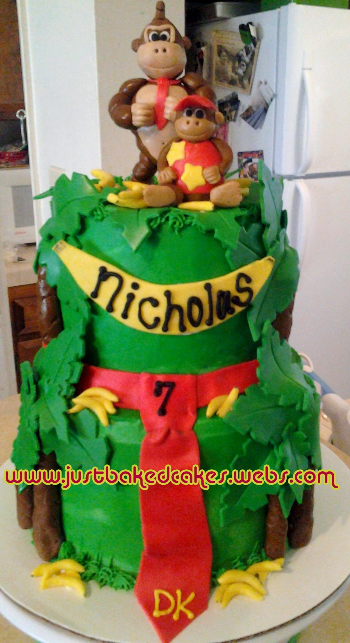 Outstanding Donkey Kong Themed Birthday Cake Funny Birthday Cards Online Amentibdeldamsfinfo